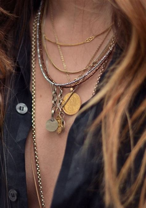 Glam Sugar | 20 Jewelry Layering Photos That Are Crazy Popular