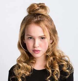 Annabelle's Talitha Bateman Dating Status In 2018; Family