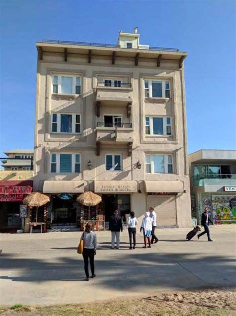 1912 apartment building on Venice Boardwalk up for