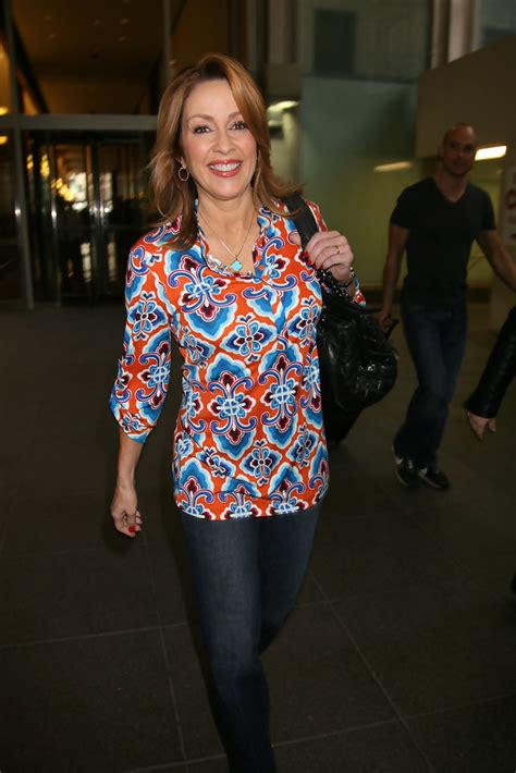 Patricia Heaton Photos Photos - Patricia Heaton Out and
