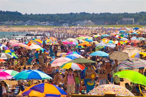 Crowded Beach | Today the girls and I visited Old Orchard